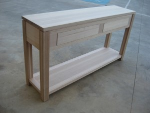 32 Console With Legs (5)